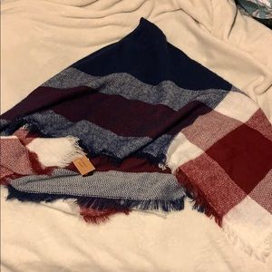 Accessories - NWT Plaid Blanket Scarf